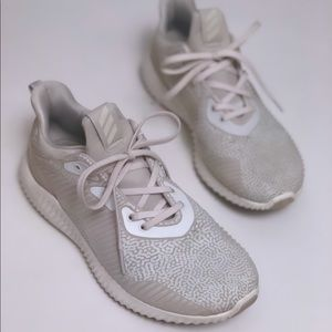 Adidas | Alpha Bounce Lace Up Sneakers Running 8